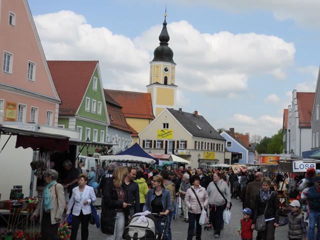 Auffahrtsmarkt Langquaid